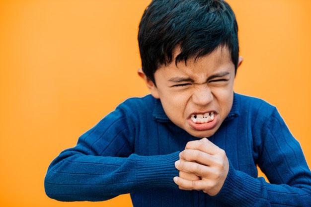 کنترل خشم در کودکان - ترفندهای کنترل عصبانیت در کودکان