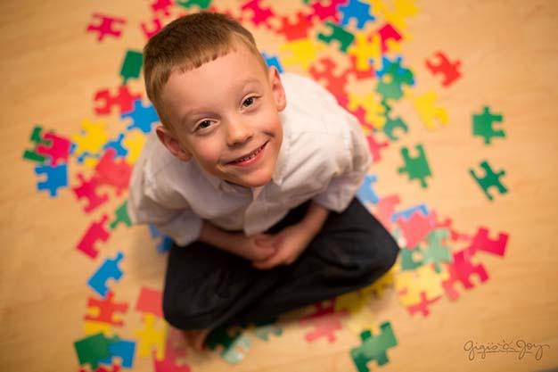 اوتیسم در کودکان از علائم و نشانه ها تا روشهای درمان و معالجه