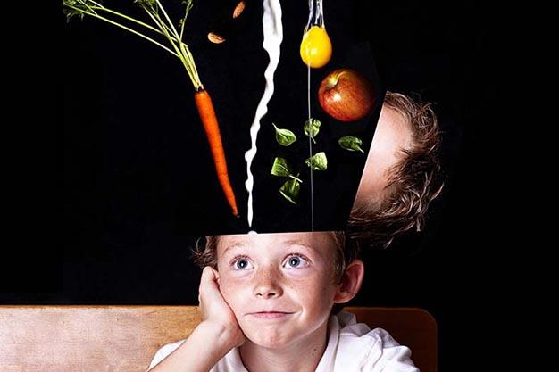 تقویت مثبت اندیشی در کودکان با ۱۰ راهکار ابرکودک