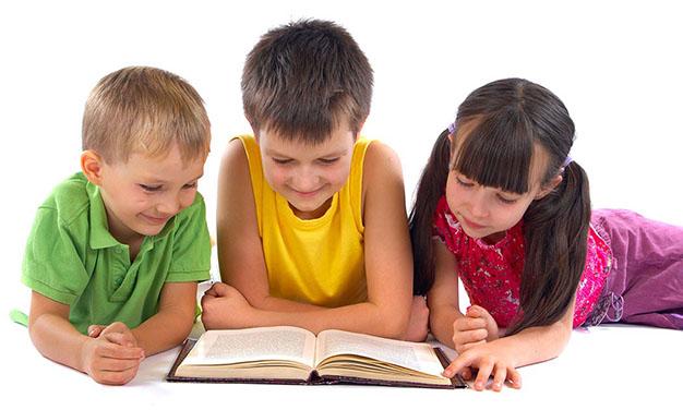 فواید کتابخوانی برای کودکان تا سن 9 سالگی چیست ؟