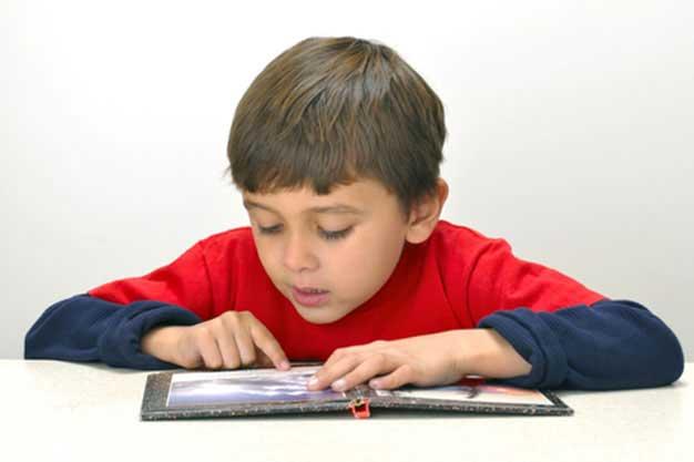 آموزش انتقاد پذیری به کودکان و تاثیر شگفت انگیز آن در پیشرفت