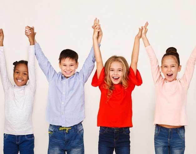 آموزش انتقاد کردن به کودکان با 10 نکته کلیدی ابرکودک