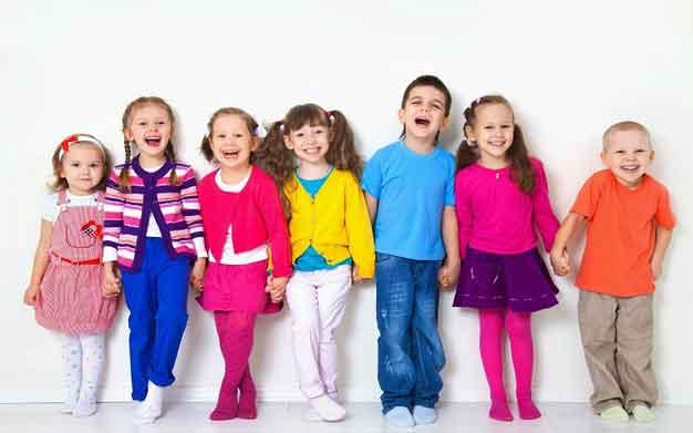 با کودکان خبرچین چگونه رفتار کنیم؟ نکات درمان کودک خبرچین
