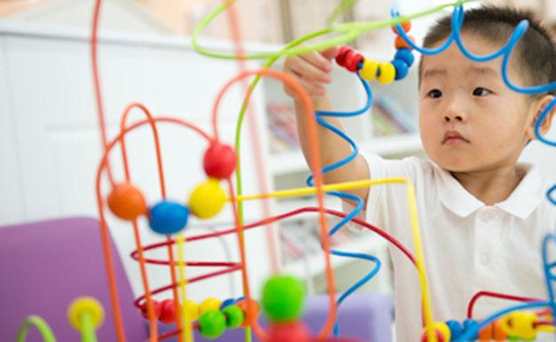 کودک مستقل با پرورش روحیه اتکا به نفس و تکیه برخود